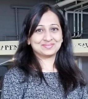 Graduate student Khushali Sureja