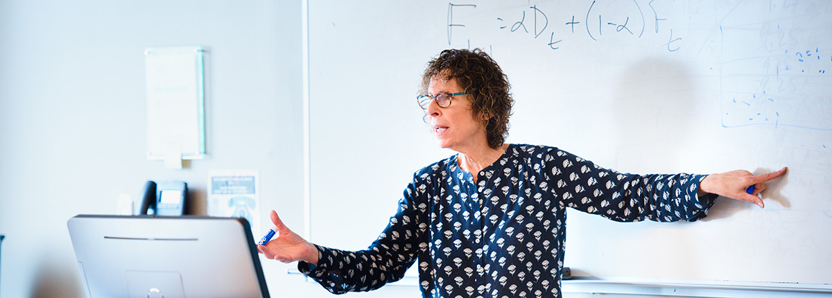 Professor Rosa Oppenheim teaching
