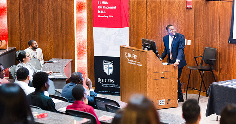Rutgers Business School rising senior Ty-Lynn Johnson was keynote speaker during the 2019 B-STAR recognition ceremony.